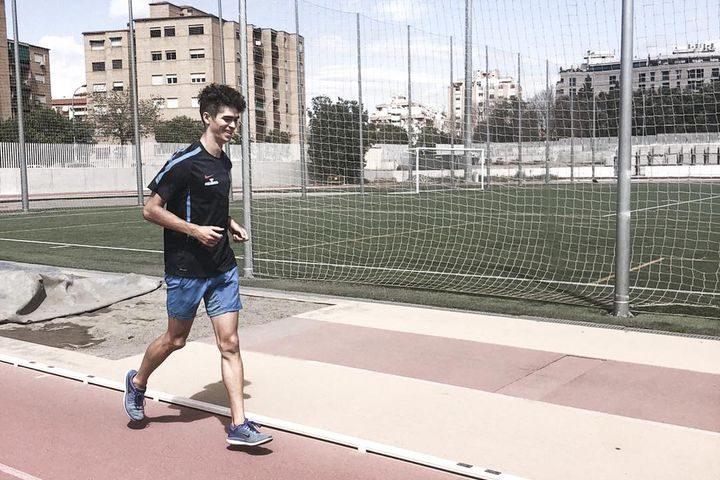 Martín Morales Sánchez entrena bajo el Proyecto CEEDA