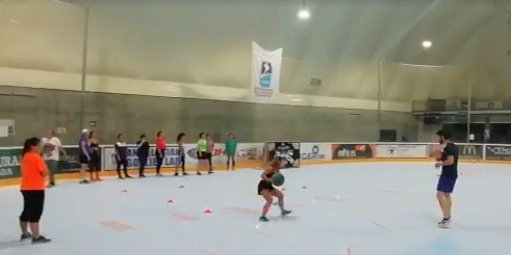 Las deportistas CEEDA y las Granad Grizzlies entrenan juntas en Igloo Granada
