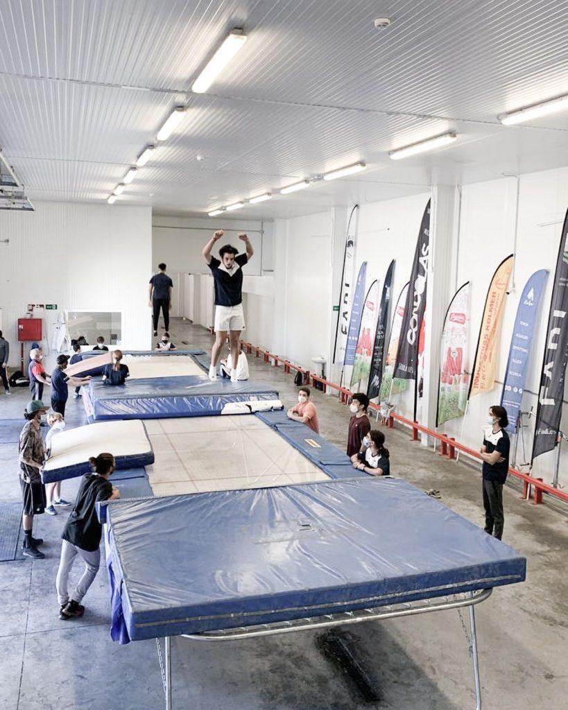 Los grupos CETDI Sierra Nevada de Freestyle y Snowboard continúan trabajando
