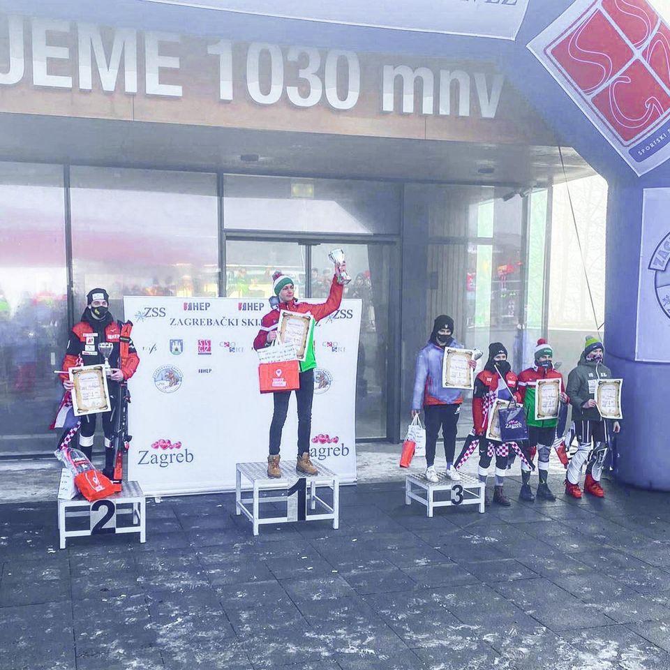 Álvaro del Pino Caballero consigue subirse al podium en Croacia.